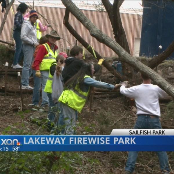 Lakeway clean-up_104082