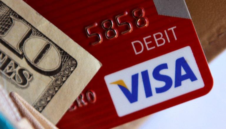 Visa and cash, credit card_107826