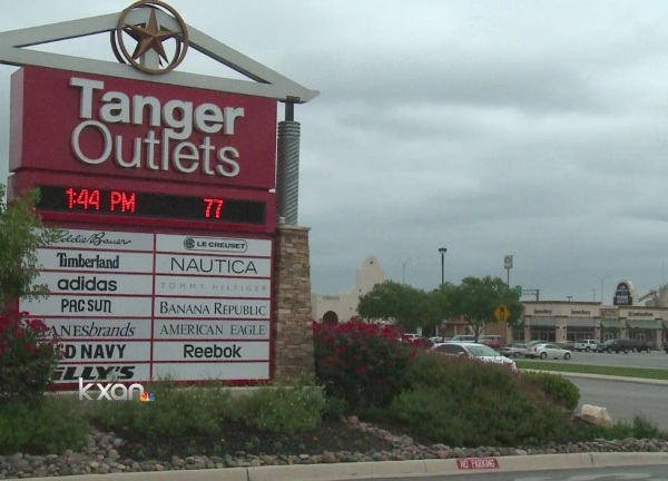 Tanger Outlets_115457