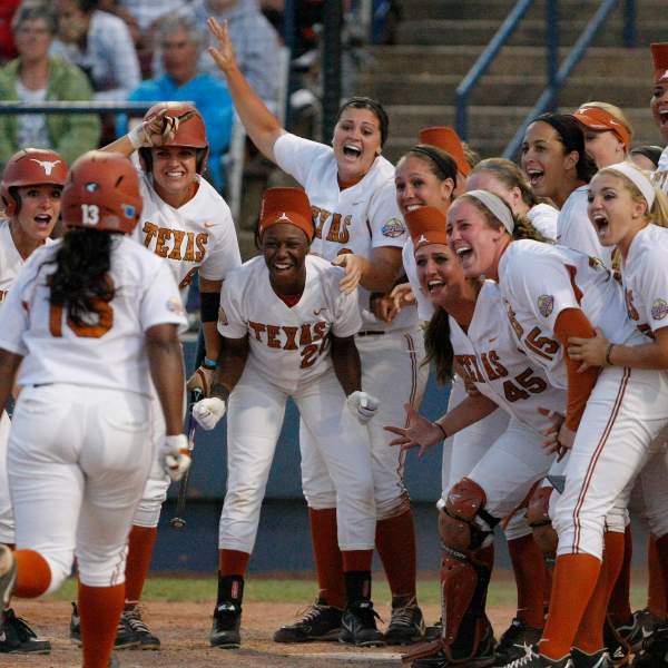 WCWS Tennessee Texas Softball_120199