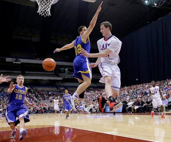 High School Basketball Alamodome_123715