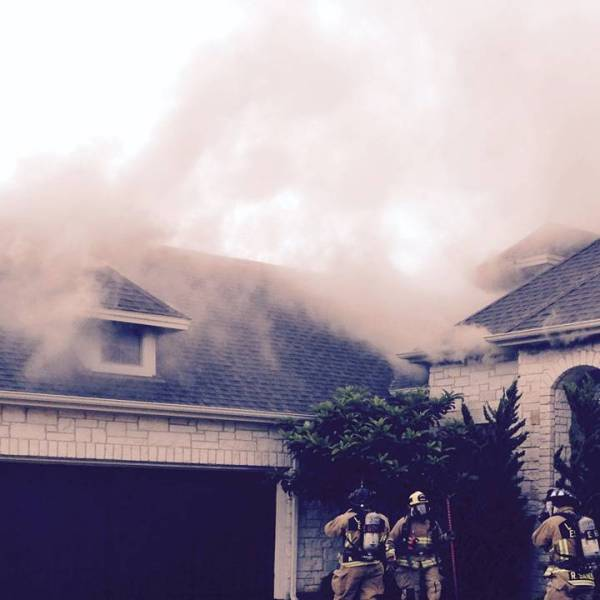 Lightning causes fire in Lakeway_132697
