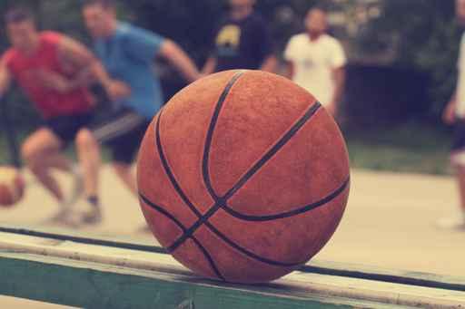 Basketball ball on a bench_150594
