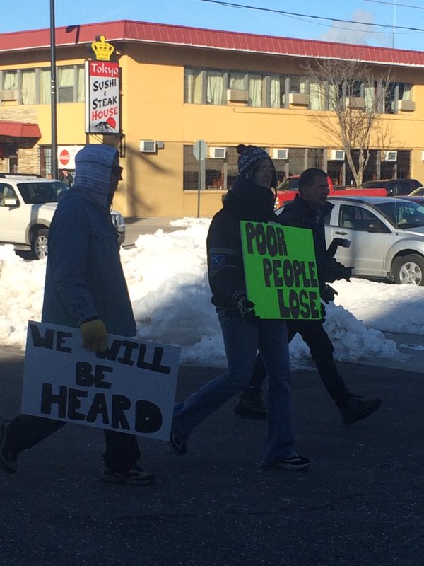 manitowoc-avery-protesters_237466