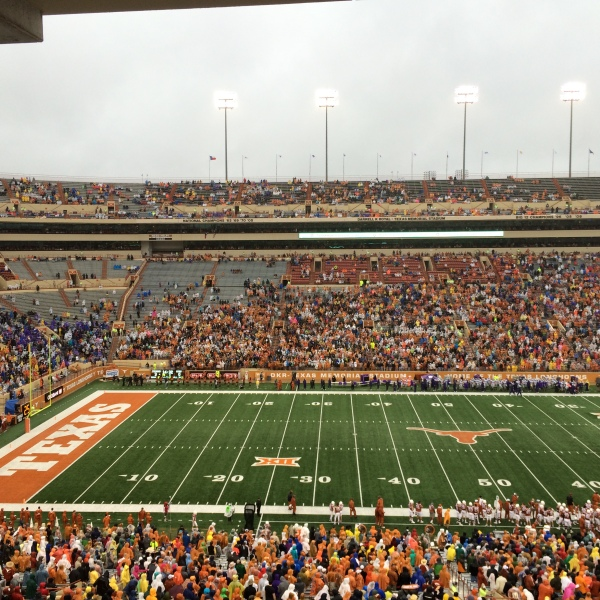Fans at DKR stadium for Texas_Kansas State game_192069