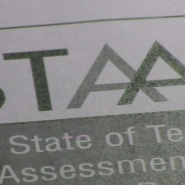 "STAAR test problems called ""unacceptable"" on first day of testing"