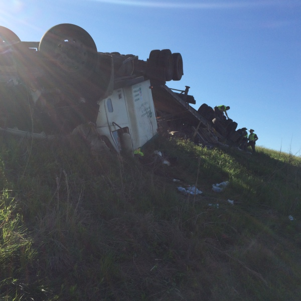 Fatal crash on SH 71 near Loop 230 in Smithville_260712