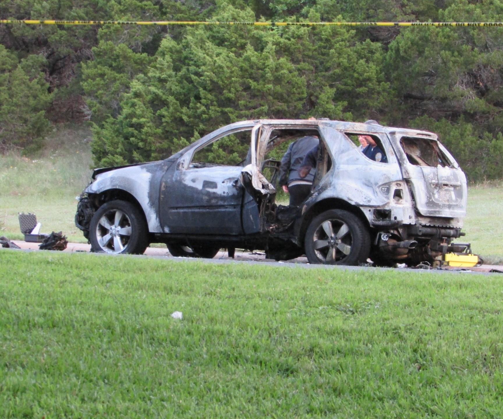 Burned vehicle on Shepherd Mountain Cove_268977