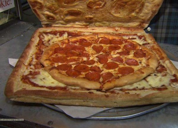 pizza-box-made-of-pizza-e1461968107481_278705