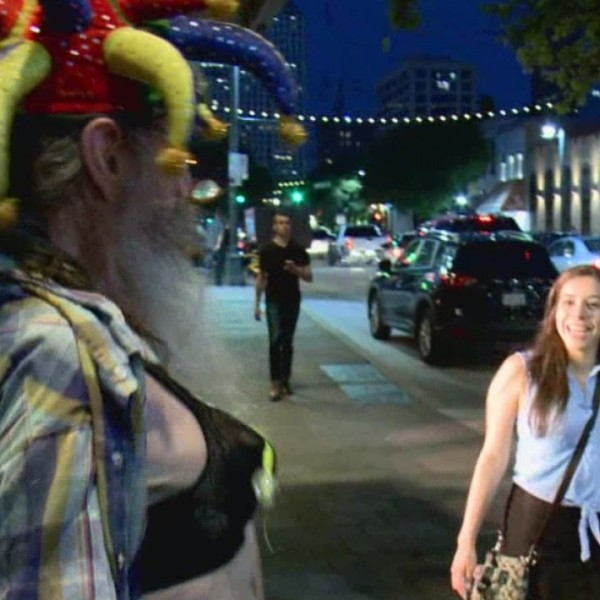 Crazy Carl retires from 6th Street performances (Photo_ Todd Bailey_KXAN)_291875
