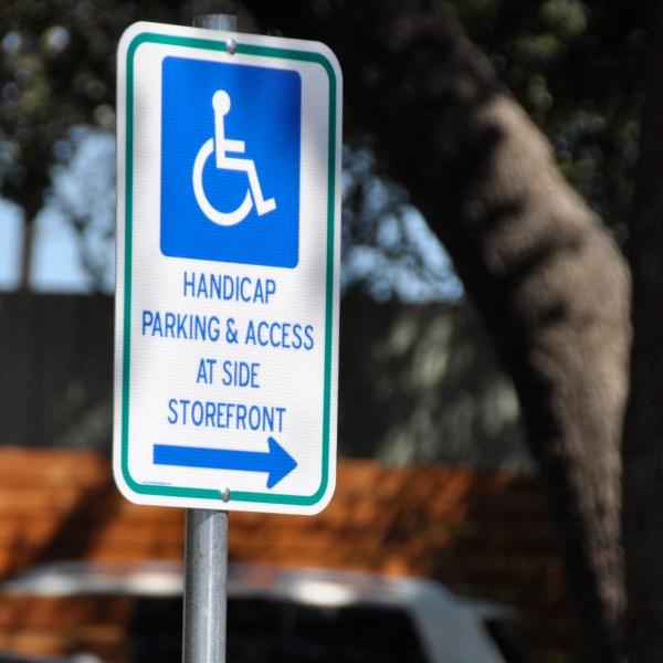 Handicap sign outside_285867