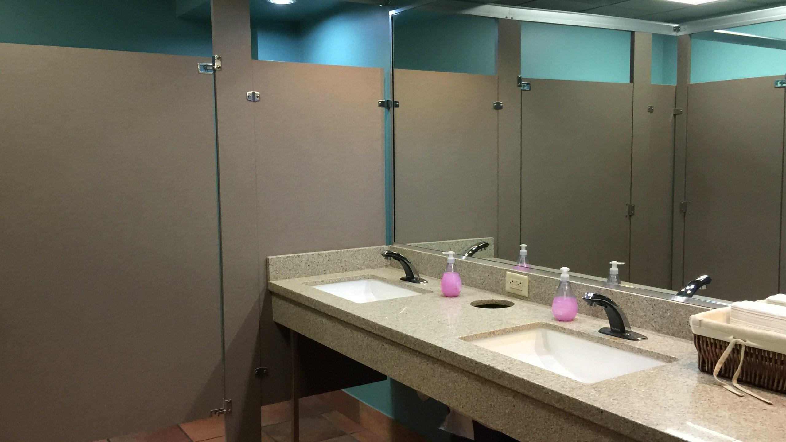Bathroom sink_85151