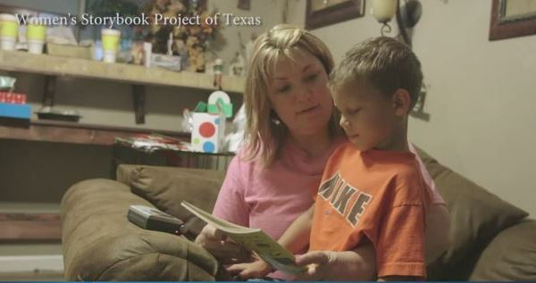 A mother reads to her son_282878