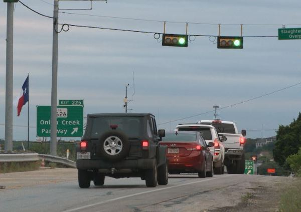 Work begins on I-35, Slaughter Creek overpass_279674