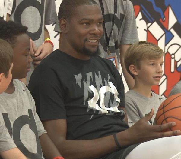 Kevin Durant in Austin at his basketball camp_302492