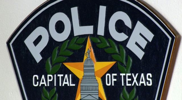 Austin police searching for burglary suspect via helicopter in southeast Austin