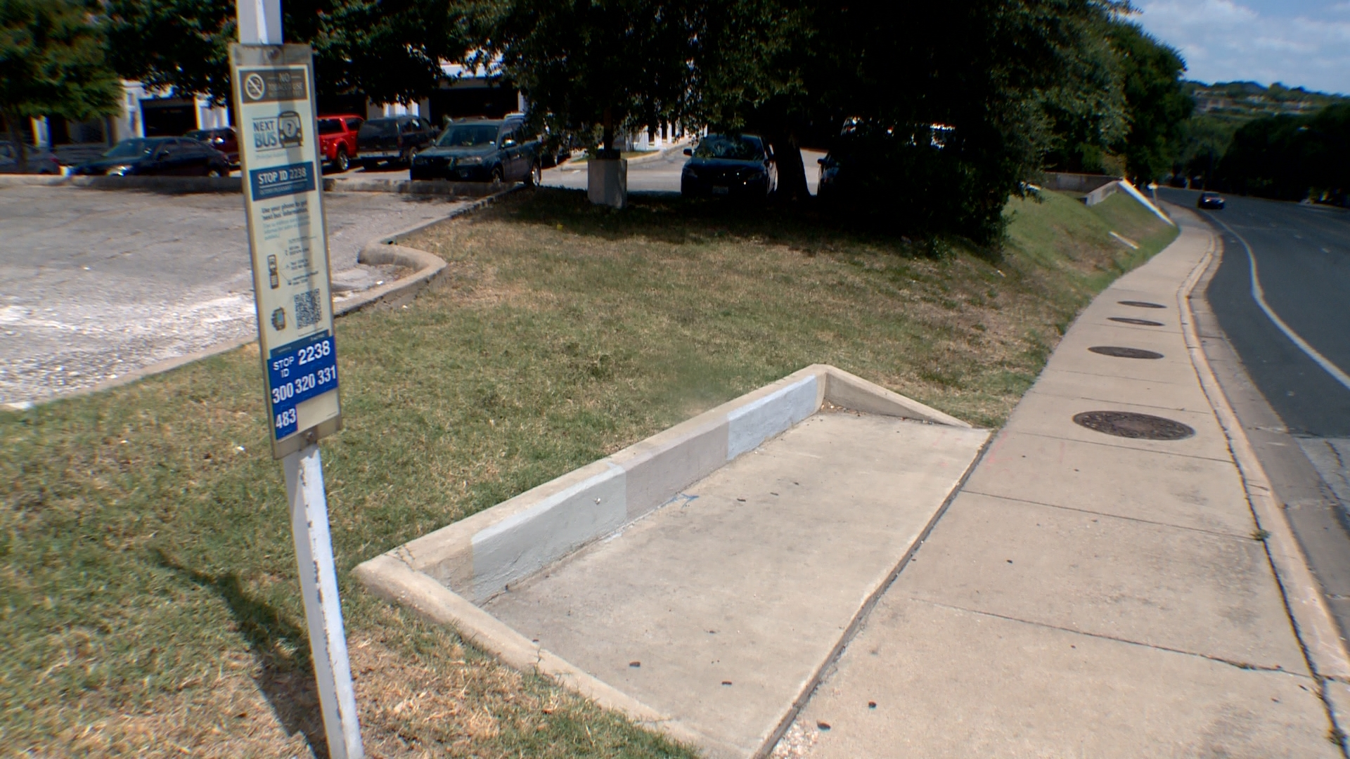 Man was robbed while waiting at this bus stop at East Oltorf Street and South Pleasant Valley (KXAN Photo/Tom Rapp)