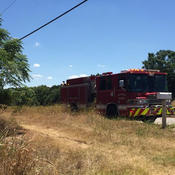 McKinney Falls brush fire scene (Paul Shelton_KXAN)_315566