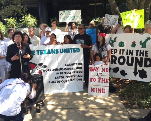 Anti-coal groups protest outside TCEQ on July 6, 2016_308600