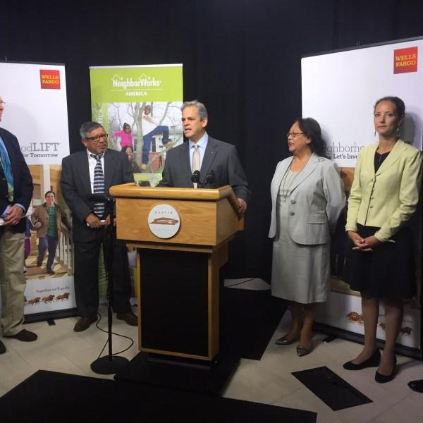 Mayor Steve Adler teams up with Wells Fargo to create $5 million program for homebuyers_325356