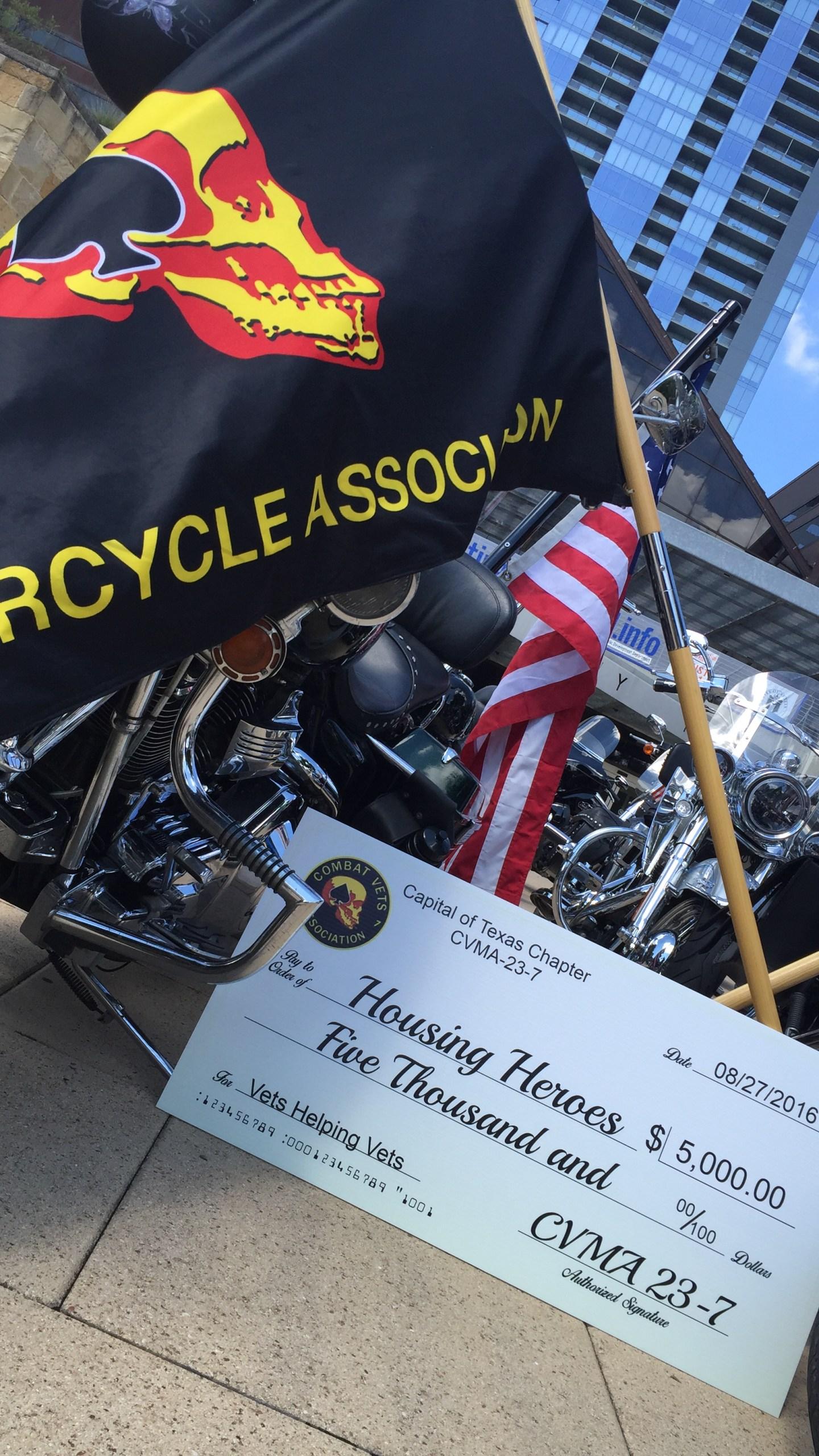 Combat Vets Association present $5,000 donation to Mayor Adler August 27, 2016._340360