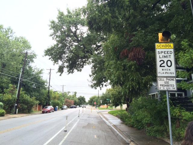 School zone flashers tested near Zilker Elementary School_334487
