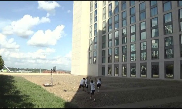 It only took 88 tries_ Former Vanderbilt basketball player makes shot from Omni Hotel roof_326930