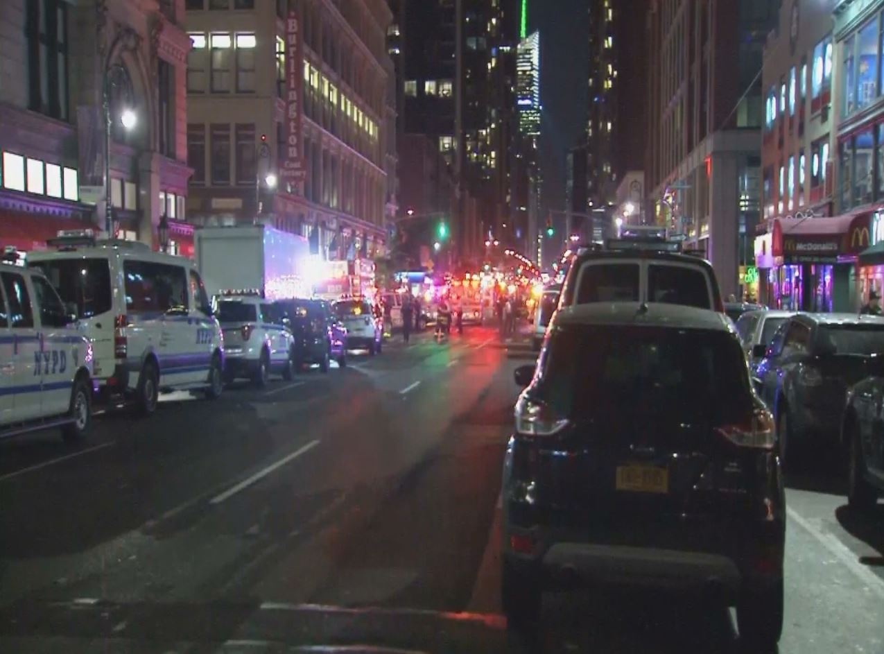 An explosion in Manhattan injured at least 15 people Saturday, September 17, 2016. (NBC New York Photo)_349430