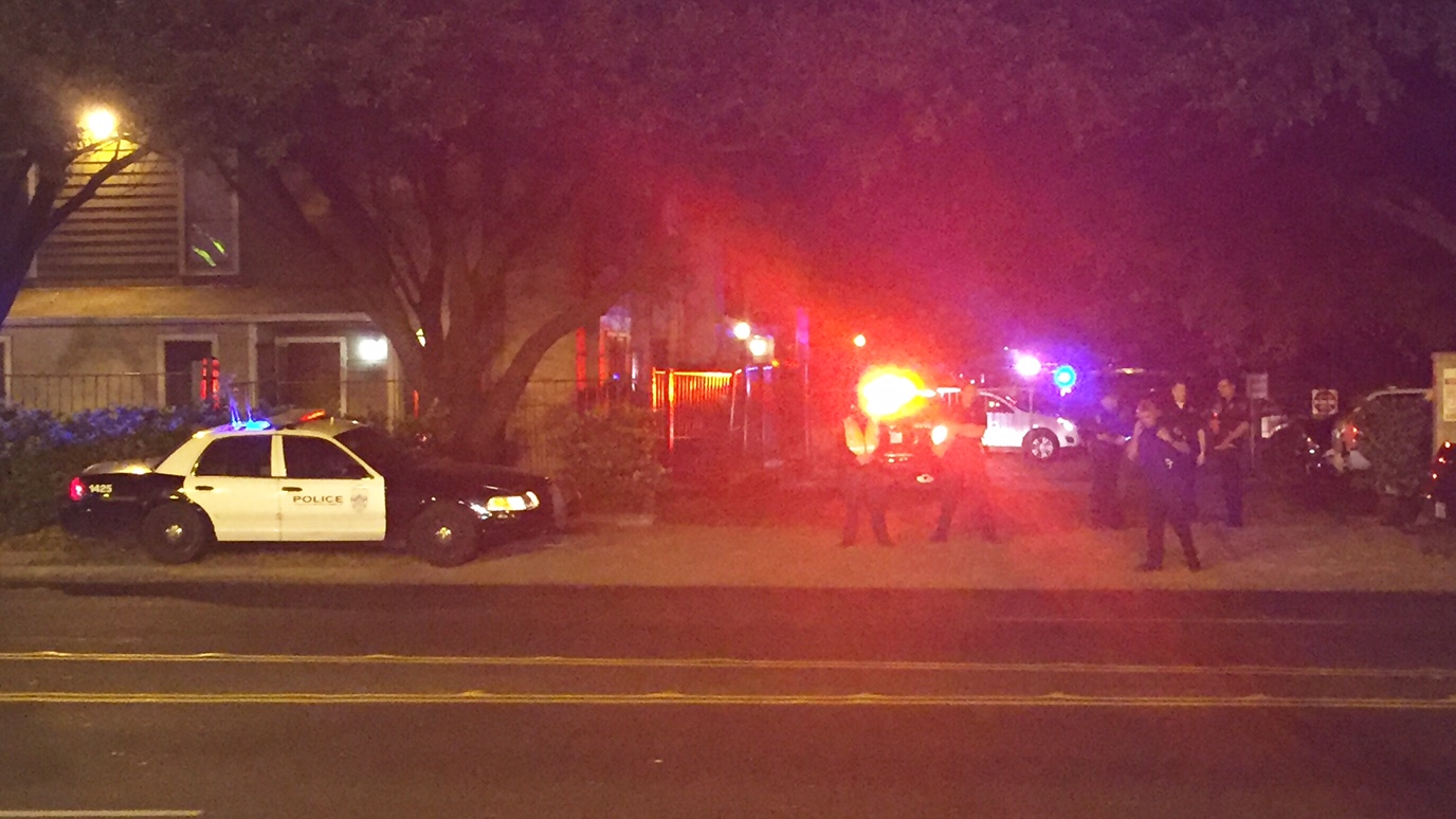 Woman was shot and killed by two APD officers at the Club at Summer Valley Apartments at 744 W. William Cannon on Sunday, Oct. 16, 2016 (KXAN Photo/Ed Zavala)