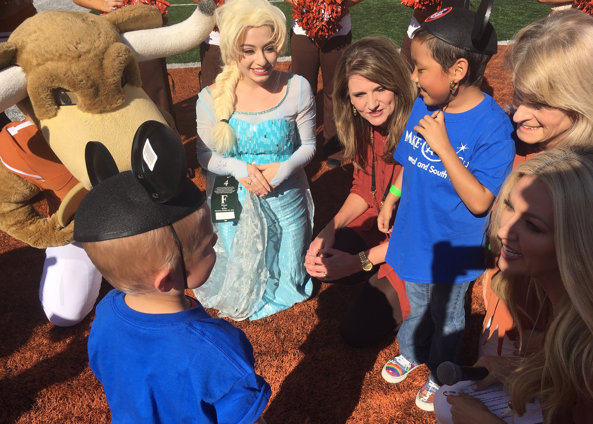 Make-A-Wish recipients Jacqueline and Clay received news that they'd be going to Disney World while at the UT vs. Baylor football game. (KXAN_T_368142