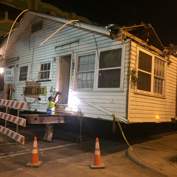 House unstuck but still blocking South Austin street (KXAN Photo_ Frank Martinez)_357173