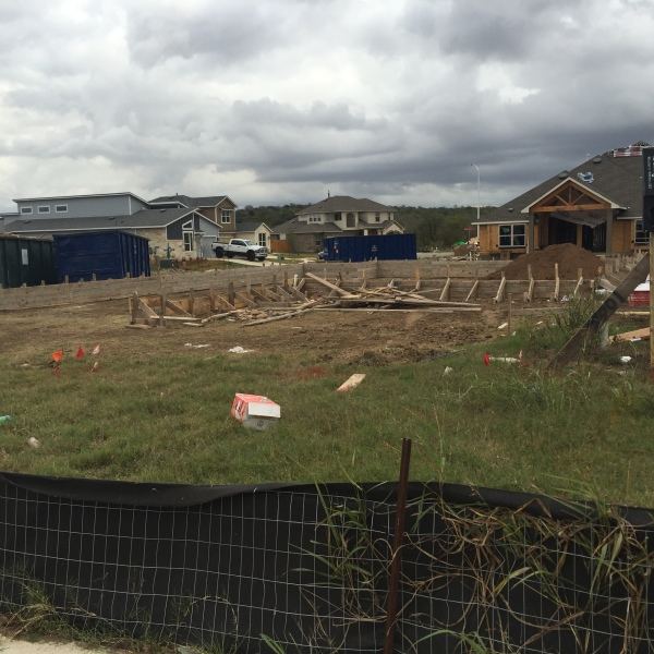 Builders asking for extra patrols after thefts at construction sites_378199
