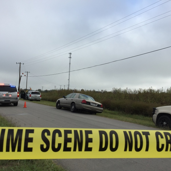 Body found inside burning truck in Del Valle_368247