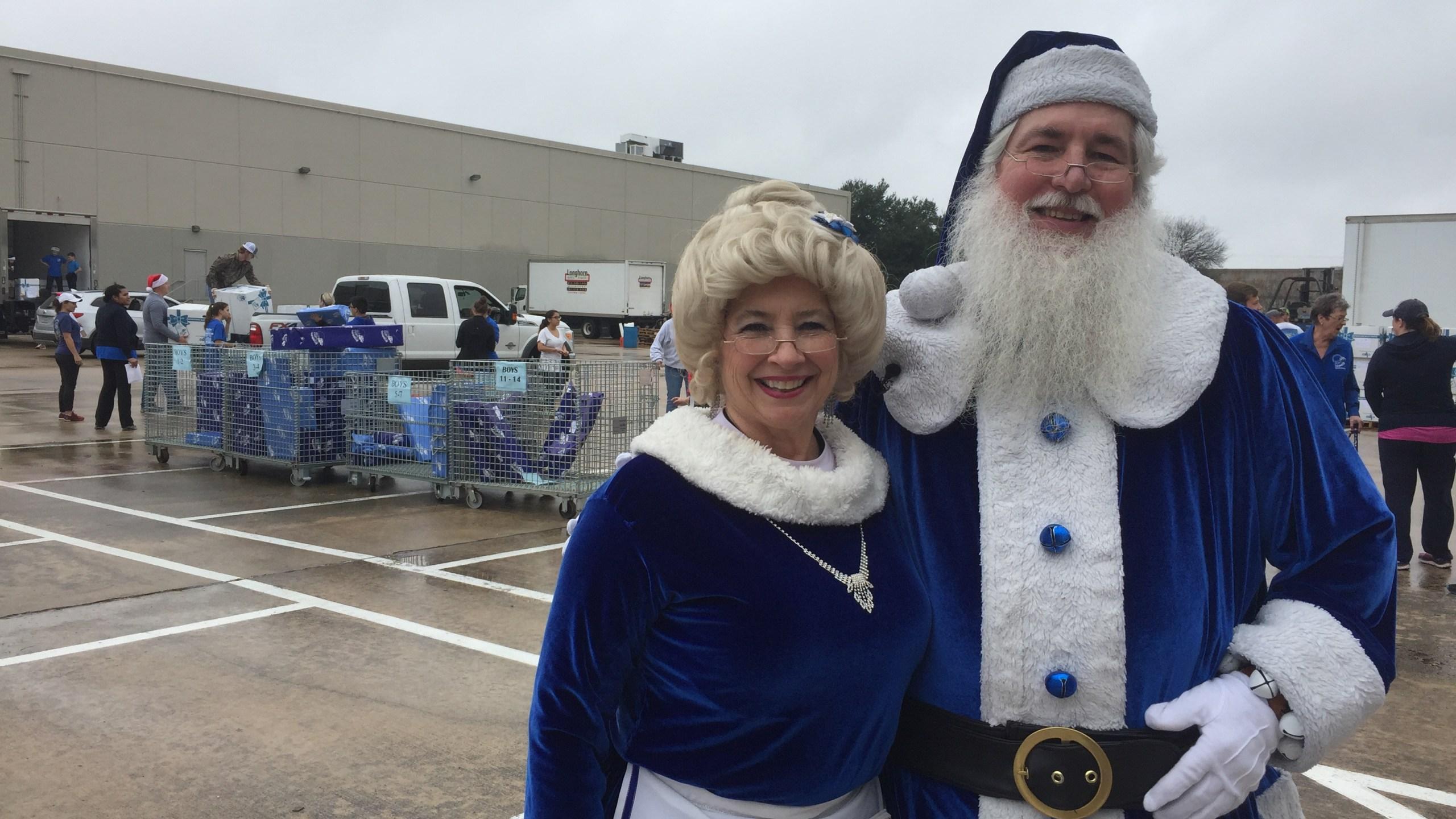 blue-santa-and-mrs-claus_388968