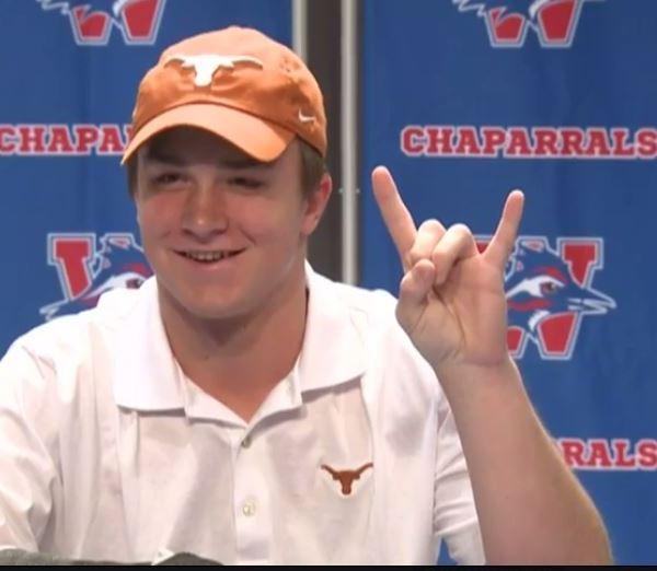 Westlake's quarterback Sam Ehlinger officially signing with the University of Texas._384890