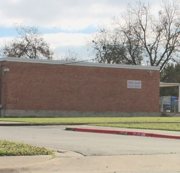 City wants to turn vacant AISD properties into affordable housing for teachers and families_384726