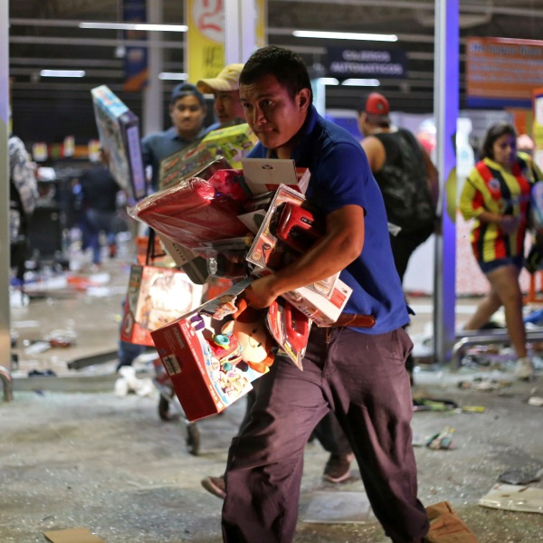 APTOPIX Mexico Gasoline Shock_395607