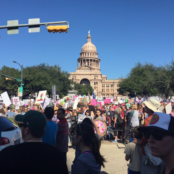 Women's March taking over downtown Austin at the State Capitol (KXAN Photo_ Lauren Lanmon)_402405