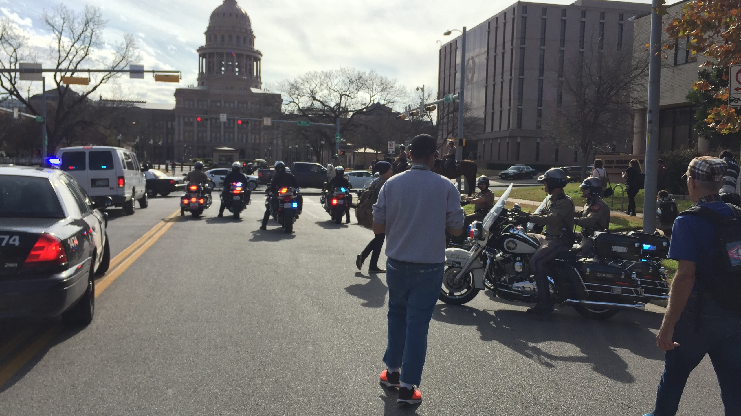 Police respond to protests in downtown Austin_402112