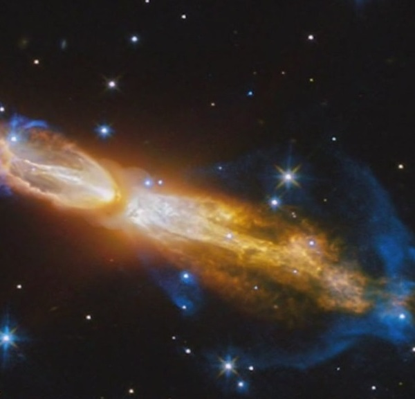 NASA image of a dying star stinking up space 5,000 light years away_413583
