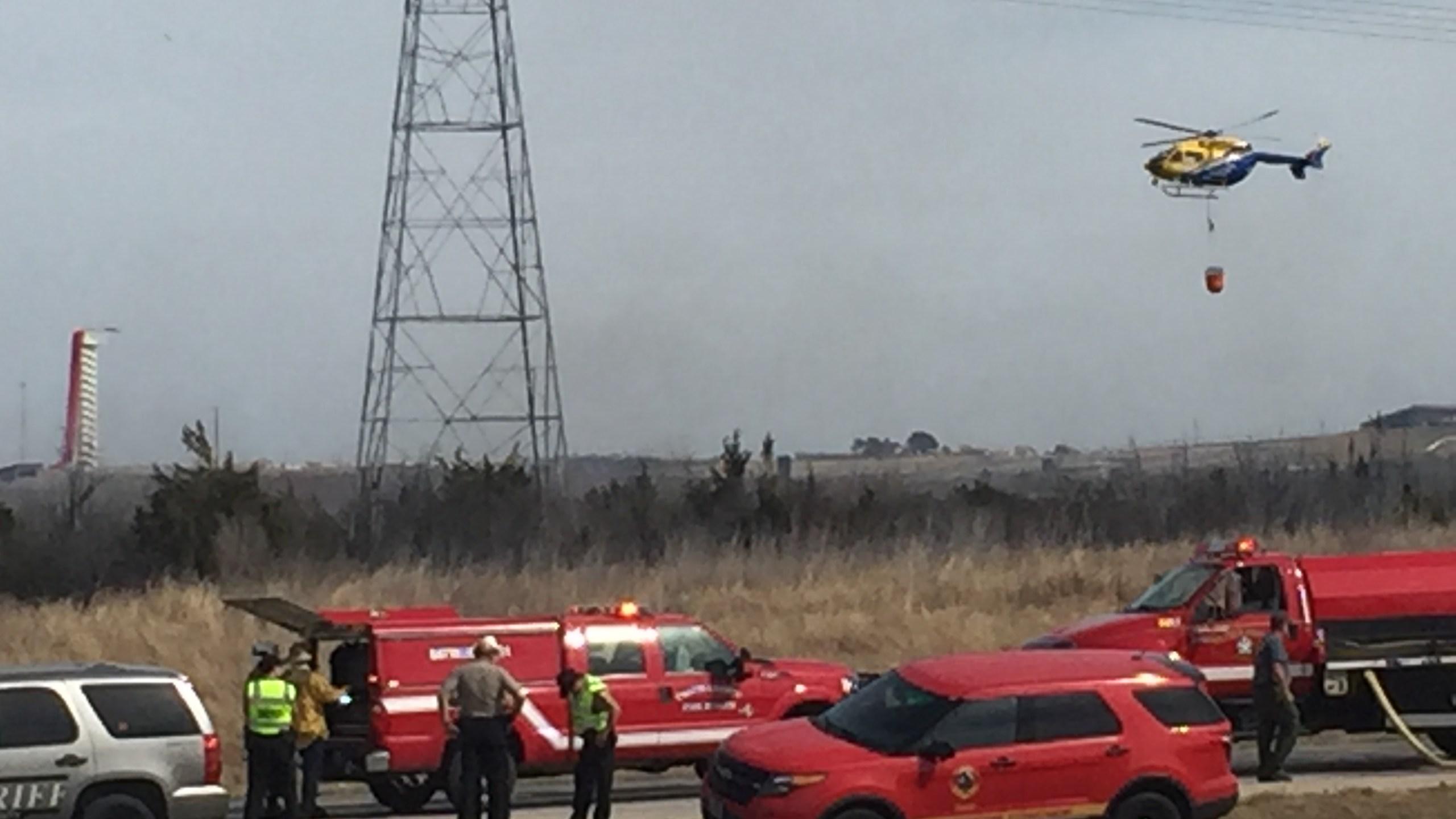 Grass fire along 130 (KXAN photo_Todd Bailey)_413984