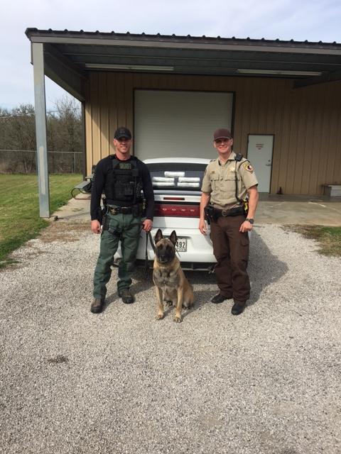 Fayette County deputies and K9 Lobos discover 5 Kilos of cocaine hidden beneath 2 children_415231