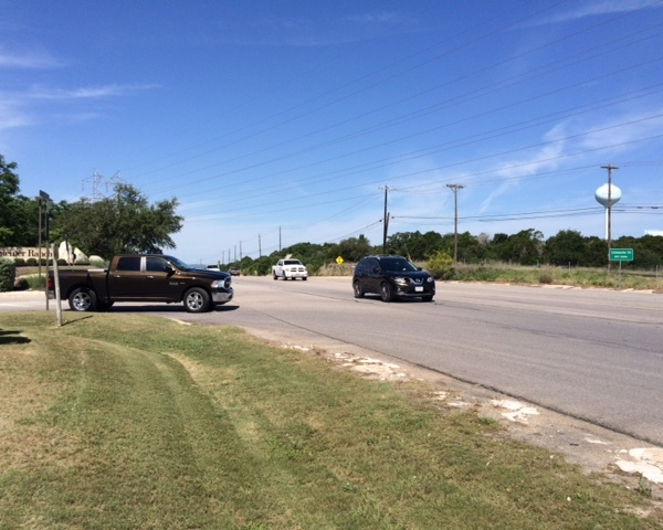 Steiner Ranch residents have issues turning onto RM 620 during peak traffic_460032