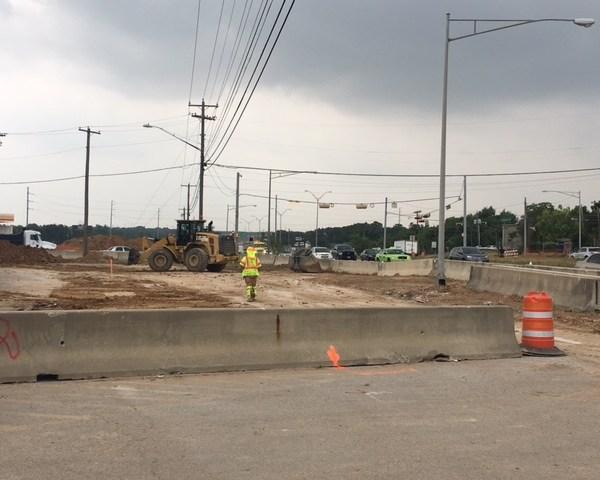 Crews work on expanding US 183_474441
