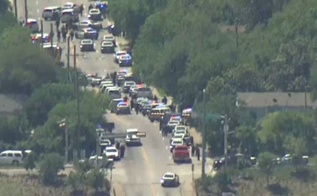 Active shooter situation in Dallas, a firefighter has been shot_463403