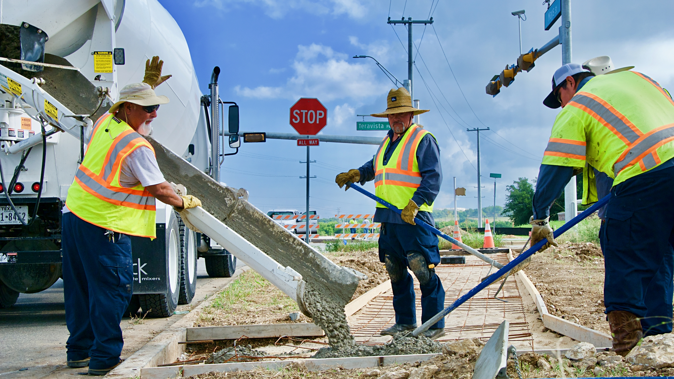 Round Rock bus stop construction_490373