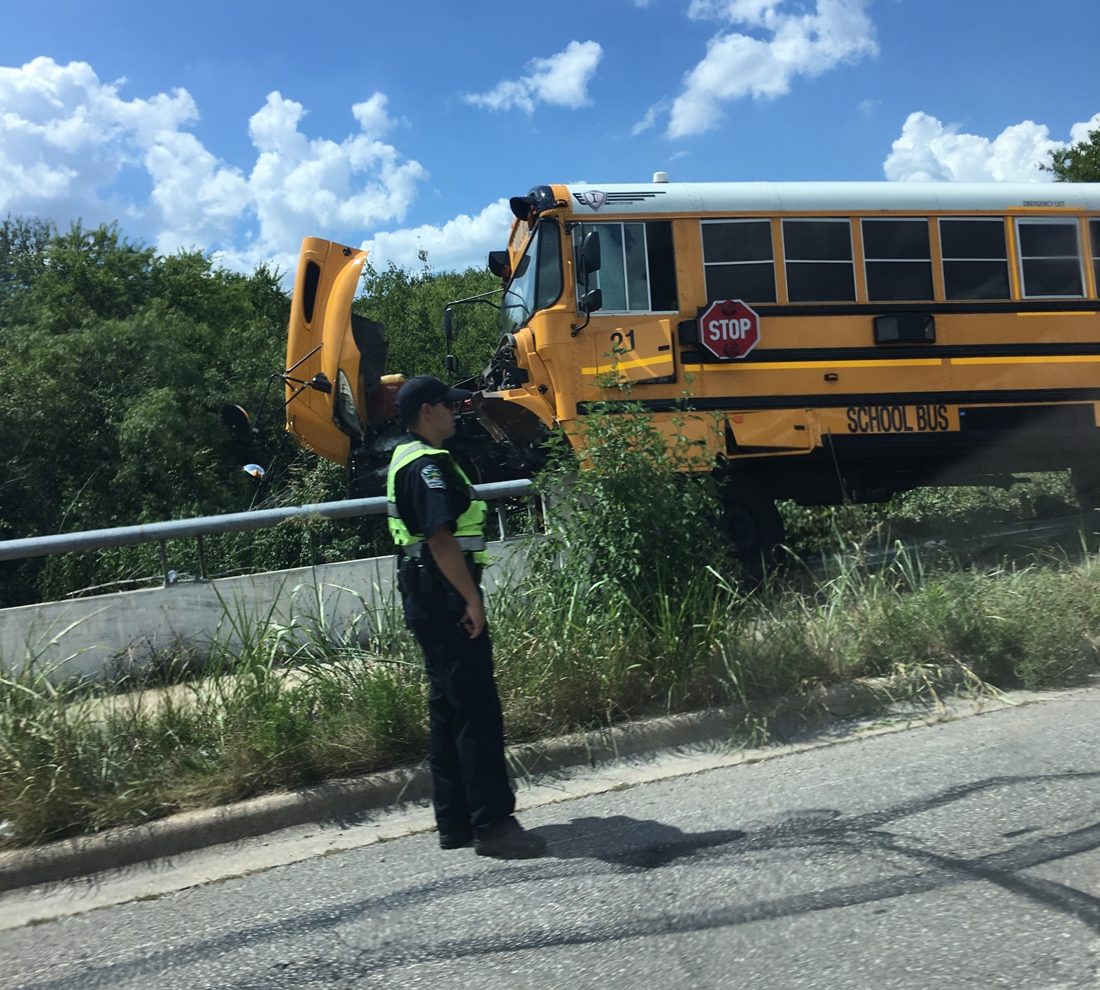 School bus crashes with SUV on East Stassney Lane_506554