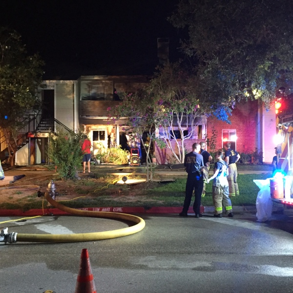 Fire rips through Westwood apartment complex_529126