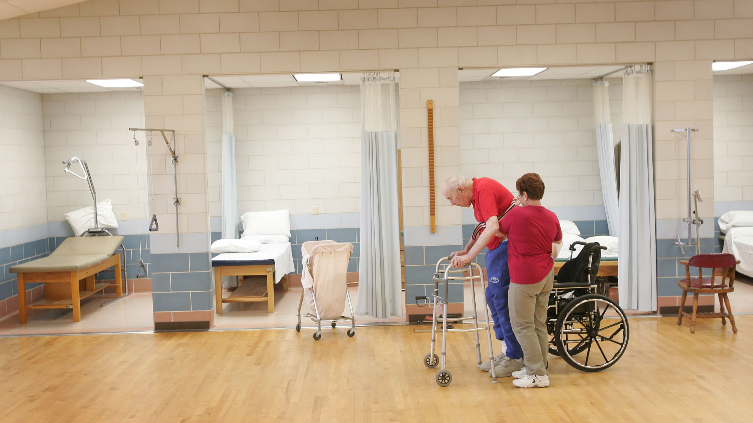 Federal Budget Cuts to Affect Veterans Nursing Homes_524339