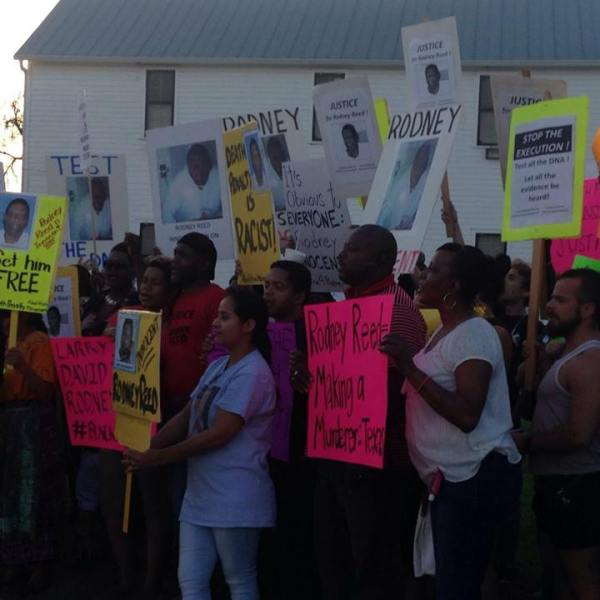 Supporters of Rodney Reed_562385